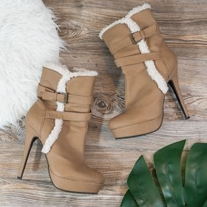 Fur lined heeled boots